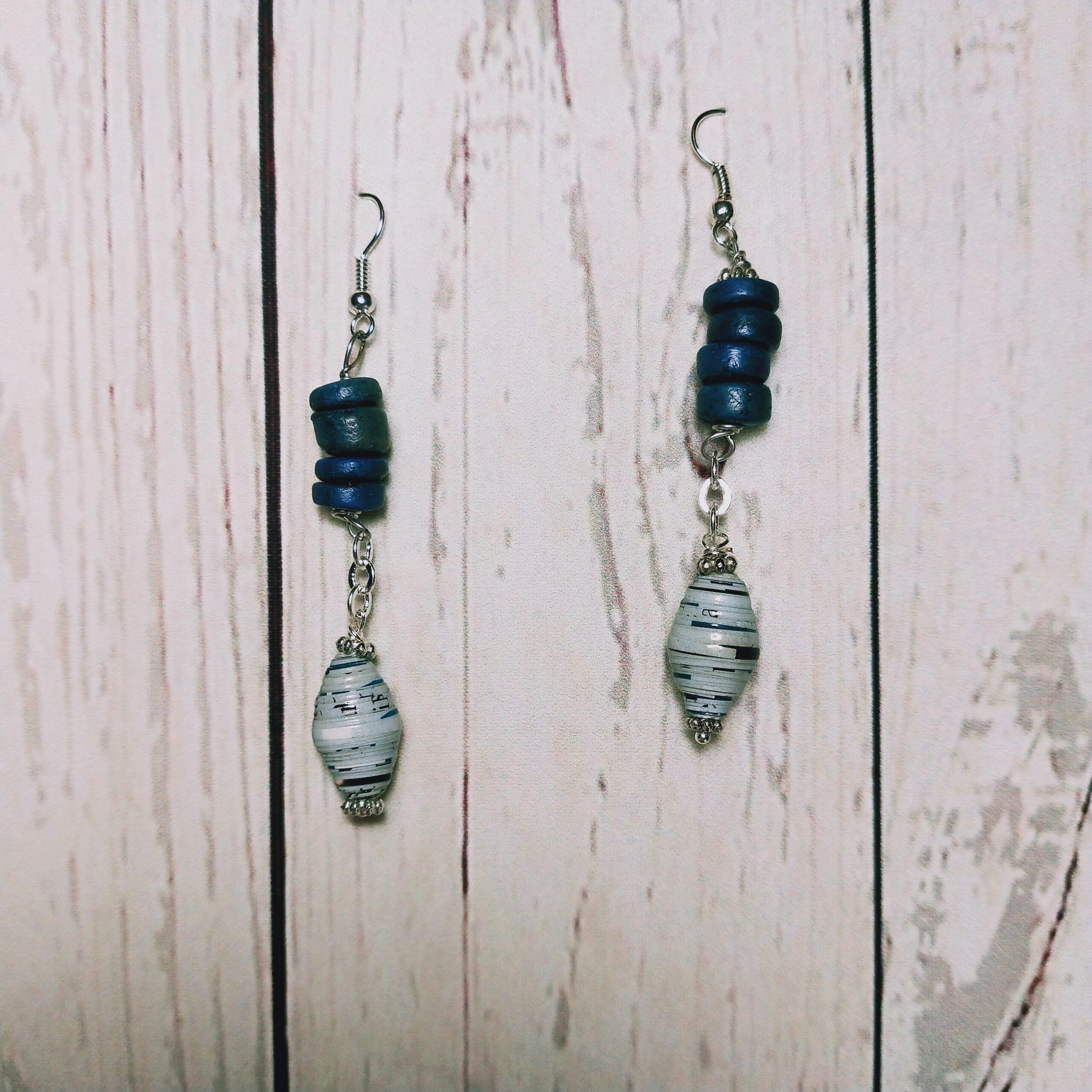 orecchini blu bianco